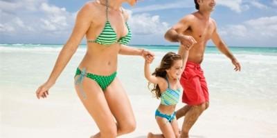 žena muškarac obitelj dijete plaža odmor ljetovanje