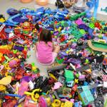 Zašto djeca trebaju manjeigračaka?