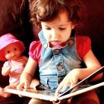 Znanost je dokazala da čitanje djeci uistinu mijenja njihov mozak