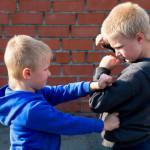 Zašto djeca udaraju i grizu kada su ljuta i kako ih u tome spriječiti?